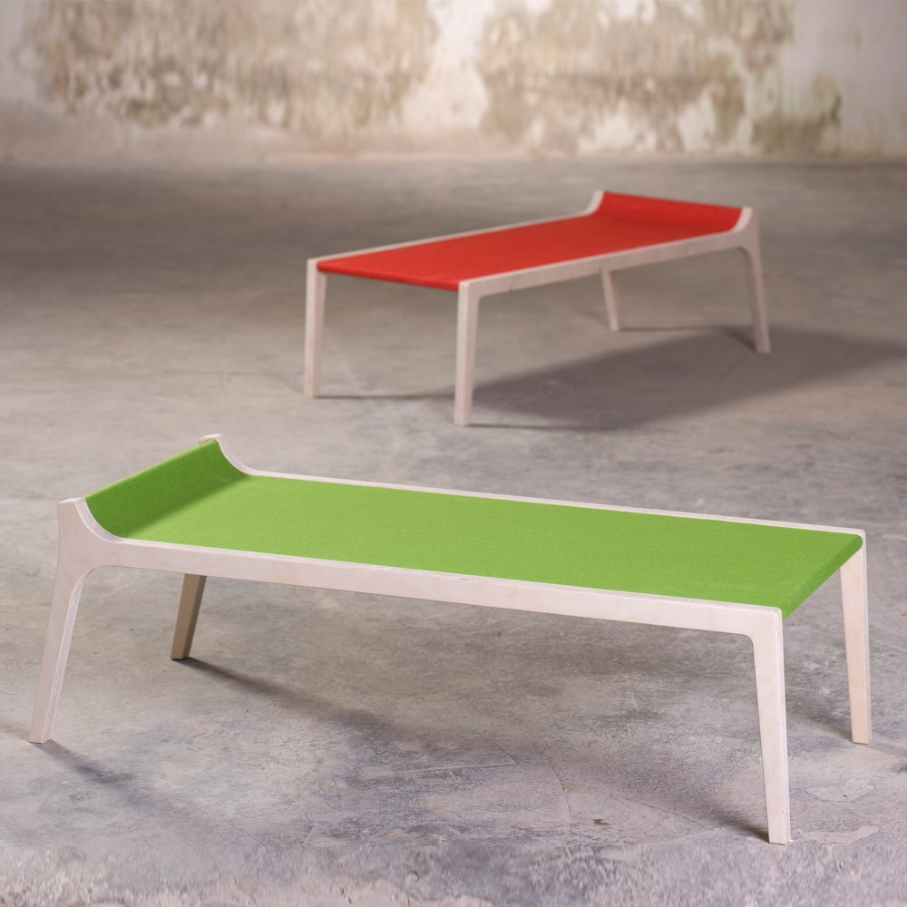 Banc Table Erykah En Bois Et Feutre Rouge Rouge Sirch Mobilier Smallable