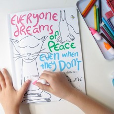 Livre de coloriage Everyone dreams of Peace