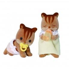 Bébé jumeaux Ecureuils Brun roux