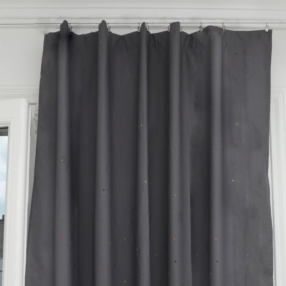 rideaux gris sur pinterest obscurcissement de la pi ce. Black Bedroom Furniture Sets. Home Design Ideas