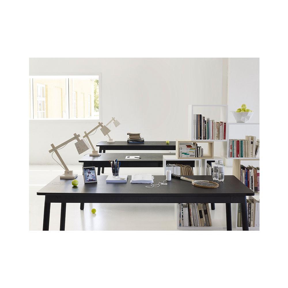 Lampe de bureau en bois blanc muuto d coration smallable for Bureau bois blanc