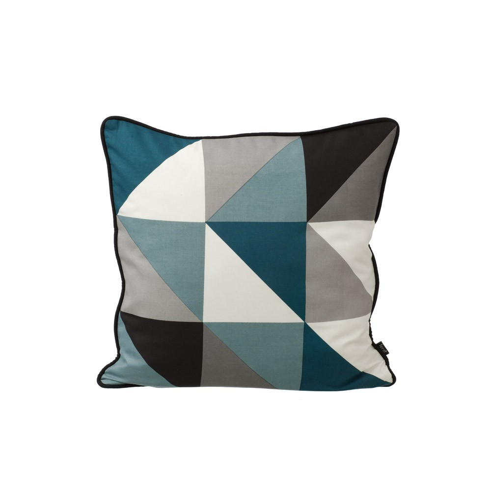 coussin remix bleu 50x50 cm ferm living d coration. Black Bedroom Furniture Sets. Home Design Ideas