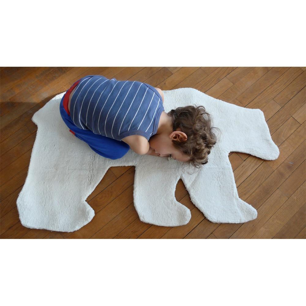 tapis ours blanc le ons de choses d coration smallable. Black Bedroom Furniture Sets. Home Design Ideas