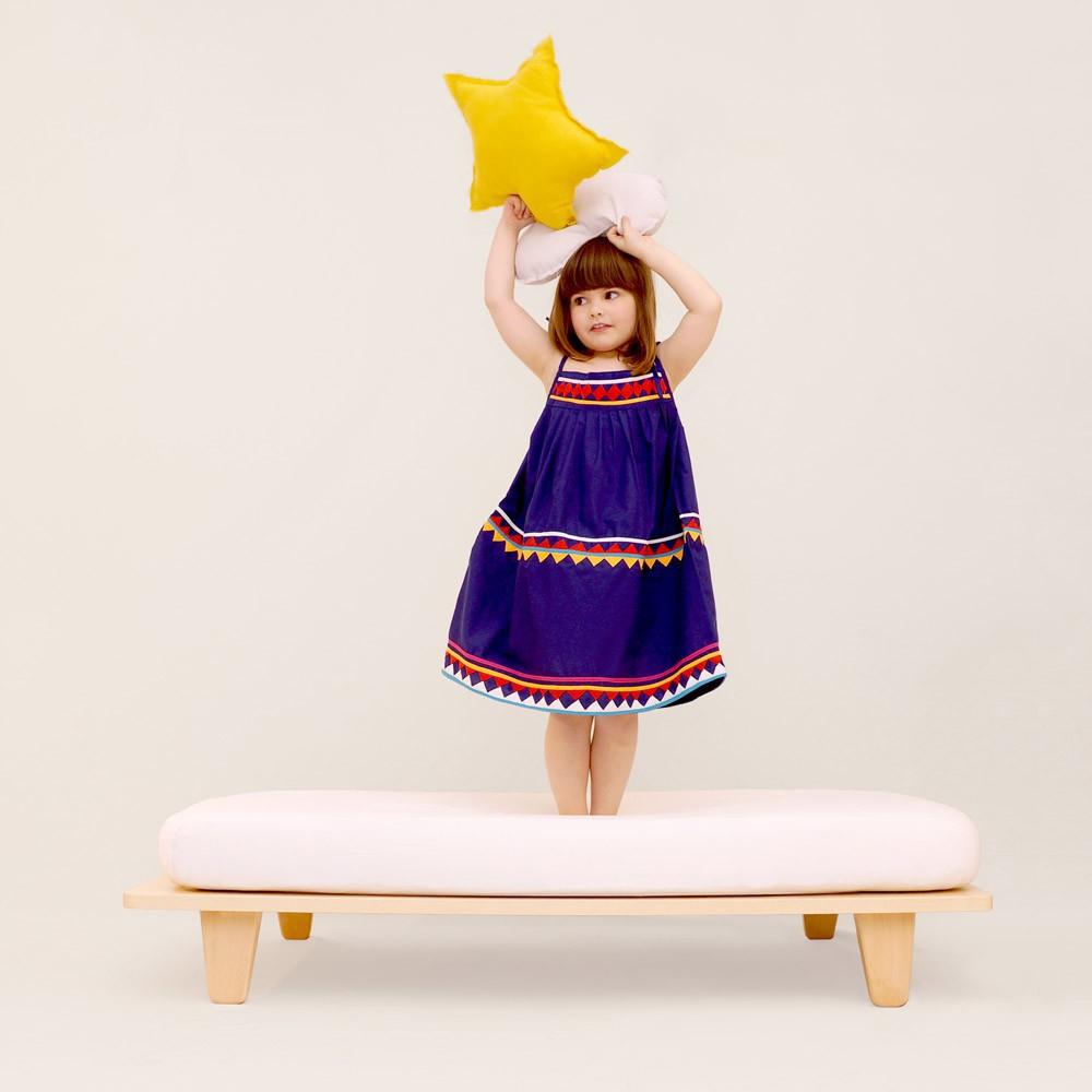 lit junior en h tre 70x140 cm naturel mum and dad factory mobilier smallable. Black Bedroom Furniture Sets. Home Design Ideas
