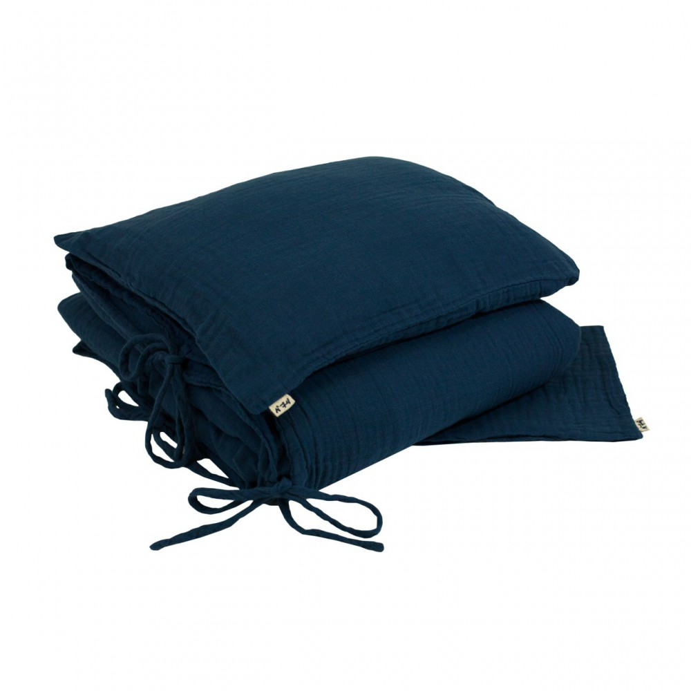 parure de lit bleu marine numero 74 d coration smallable. Black Bedroom Furniture Sets. Home Design Ideas