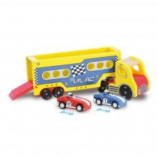 Semi-remorque avec ses voitures à rétrofriction