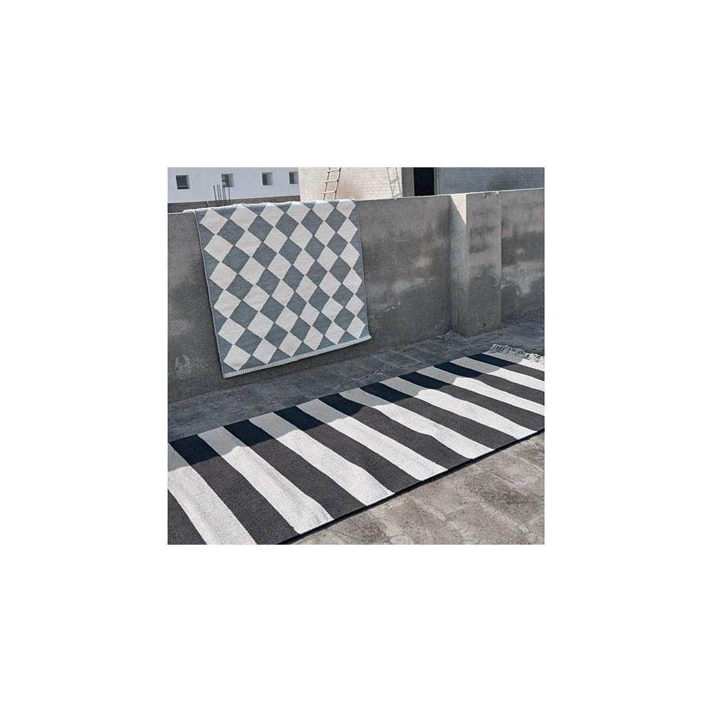 tapis en coton diamond gris et blanc liv interior d coration smallable. Black Bedroom Furniture Sets. Home Design Ideas