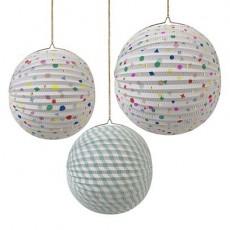 Boules en papier décoratives