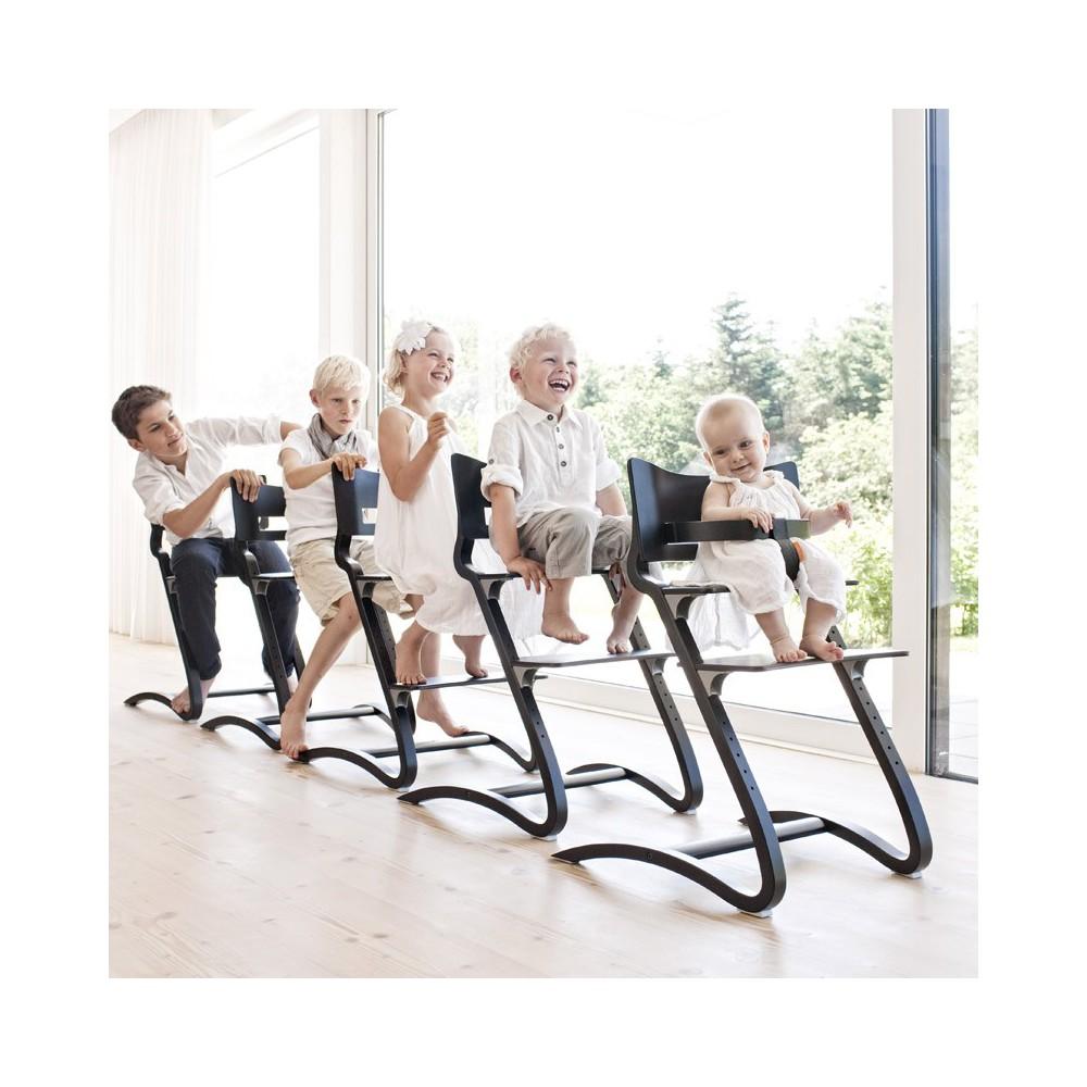 chaise haute avec arceau cerisier leander univers b b smallable. Black Bedroom Furniture Sets. Home Design Ideas
