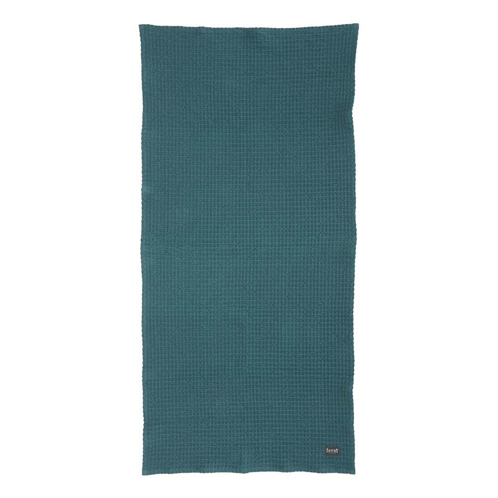 serviette de bain bleu p trole 70x140 cm ferm living d coration smallable. Black Bedroom Furniture Sets. Home Design Ideas