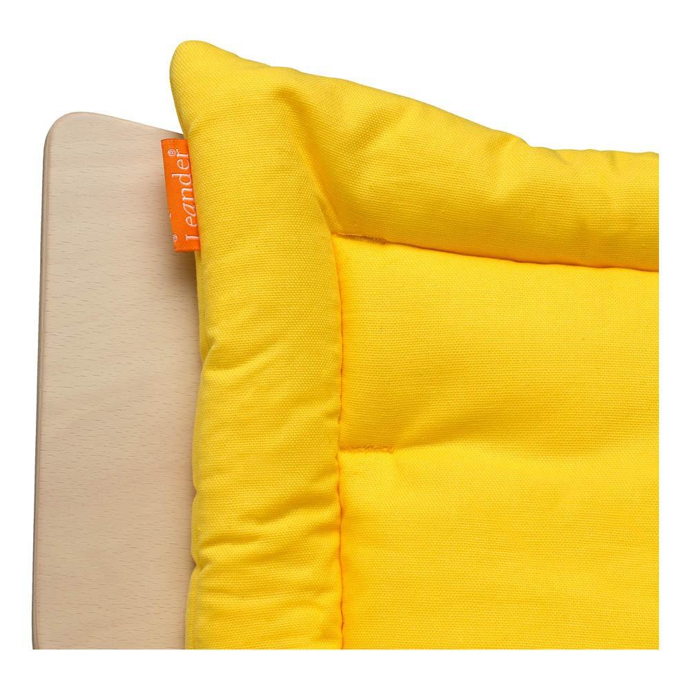 coussin chaise haute leander jaune leander univers b b smallable. Black Bedroom Furniture Sets. Home Design Ideas