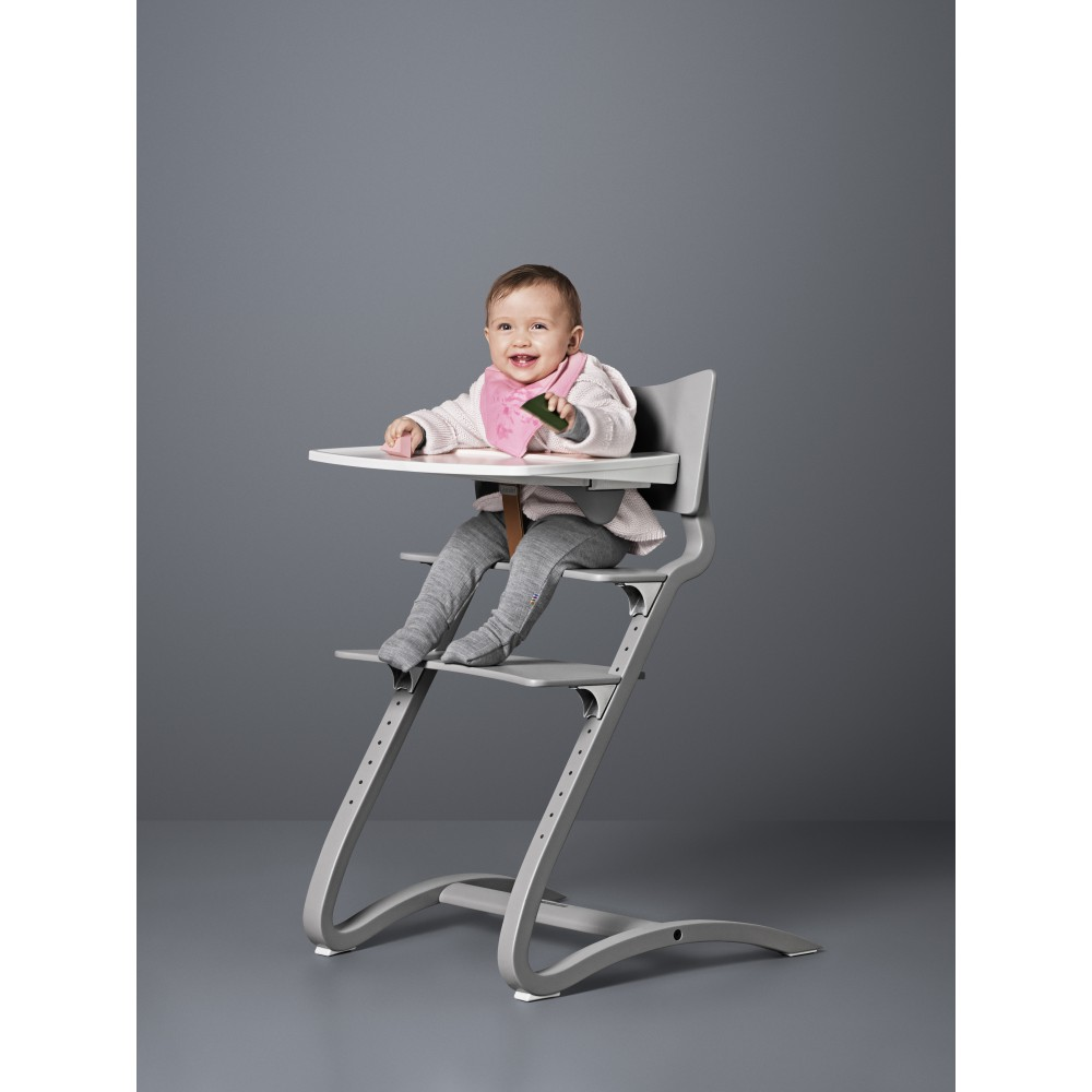 tablette chaise haute blanc leander univers b b smallable. Black Bedroom Furniture Sets. Home Design Ideas