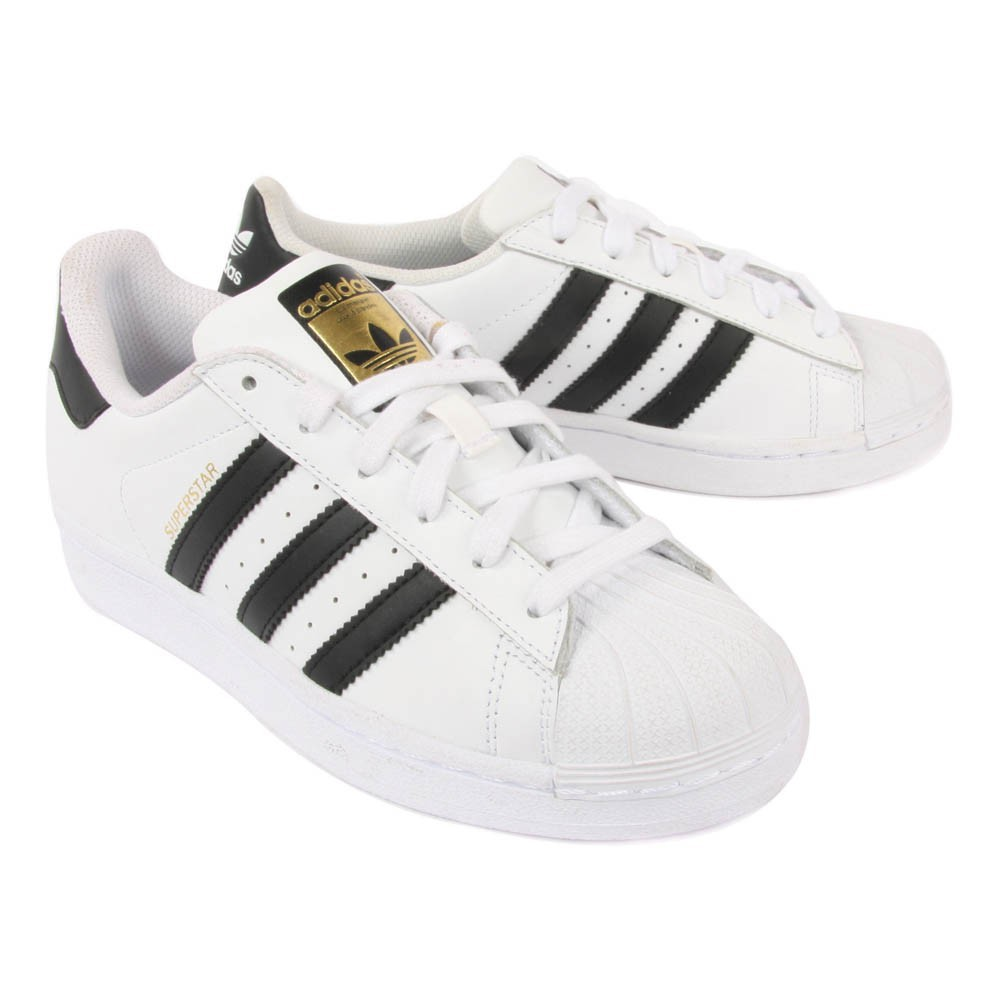 scarpe con lacci adidas