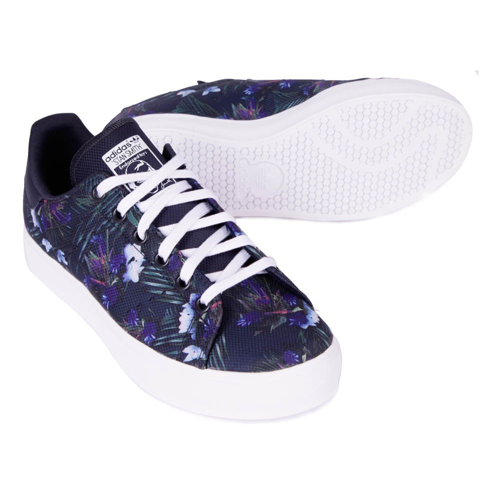 baskets lacets stan smith fleurs bleu marine adidas chaussures smallable. Black Bedroom Furniture Sets. Home Design Ideas