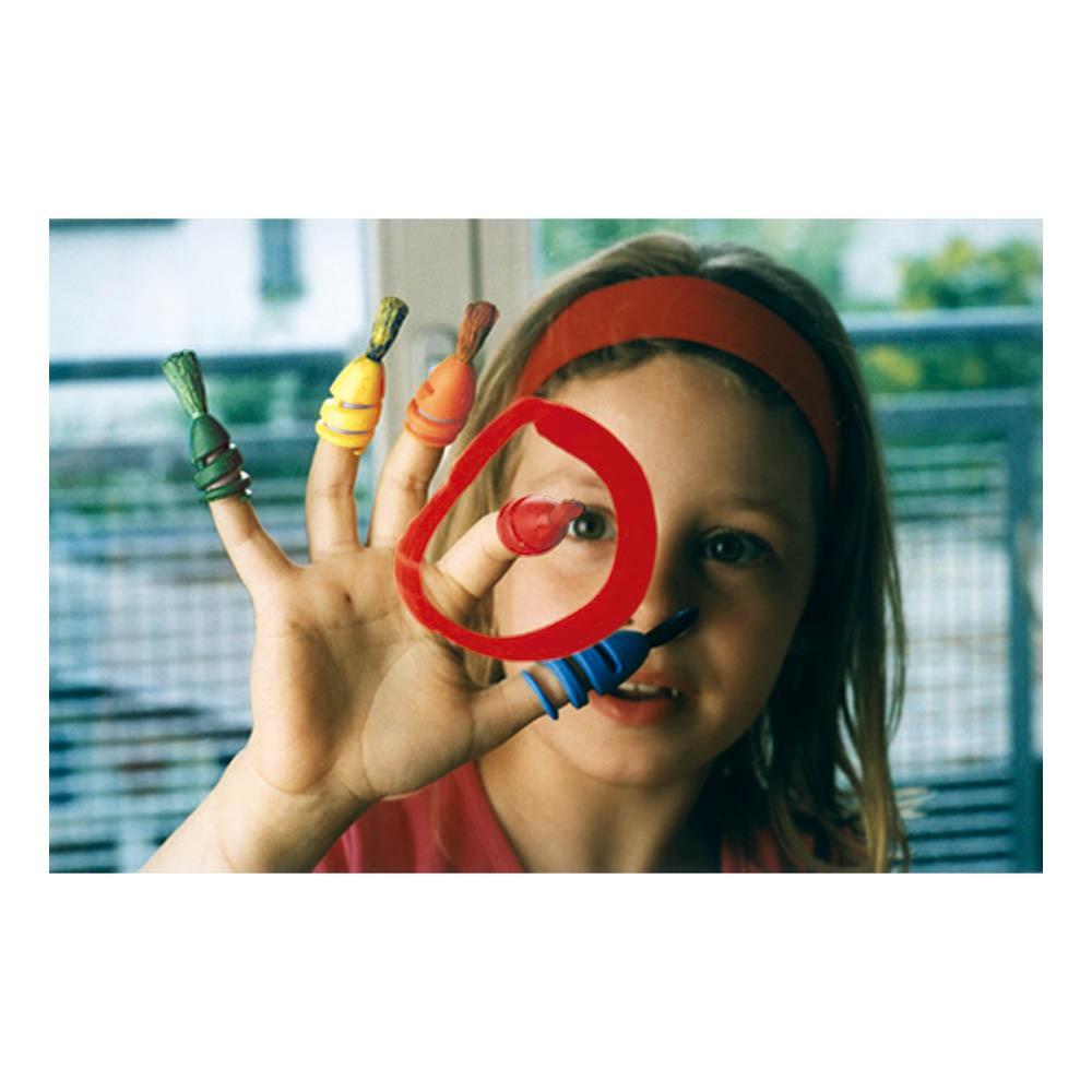Pinceaux pour doigt avec peinture couleurs primaires
