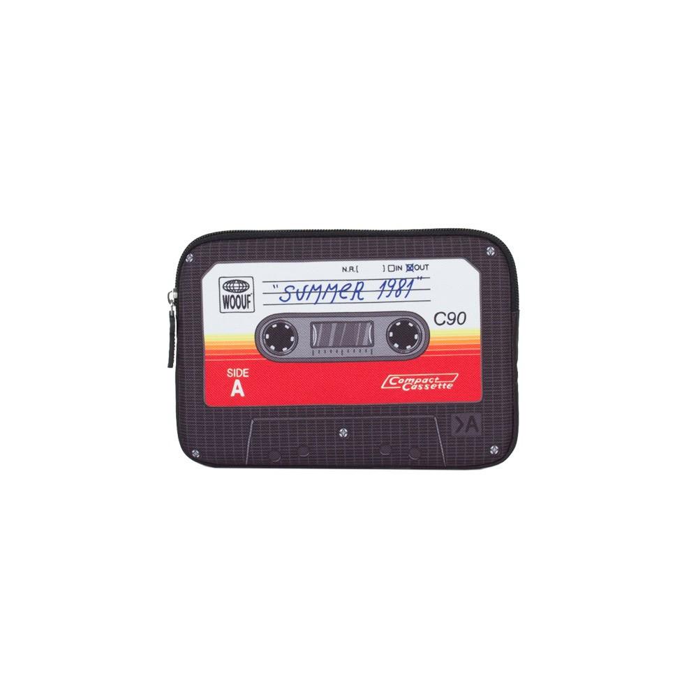 pochette ipad mini cassette woouf d coration smallable. Black Bedroom Furniture Sets. Home Design Ideas