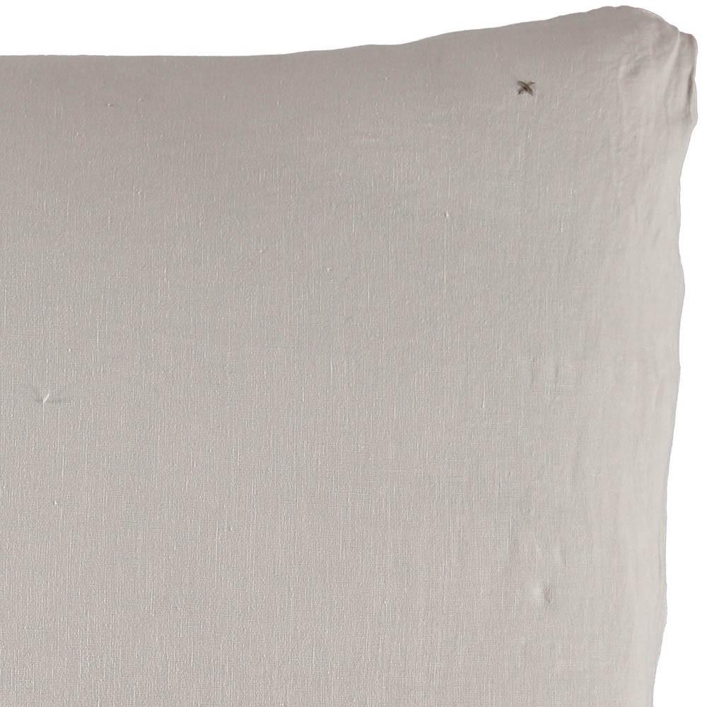 taie d 39 oreiller en lin lav gris clair bed and philosophy. Black Bedroom Furniture Sets. Home Design Ideas
