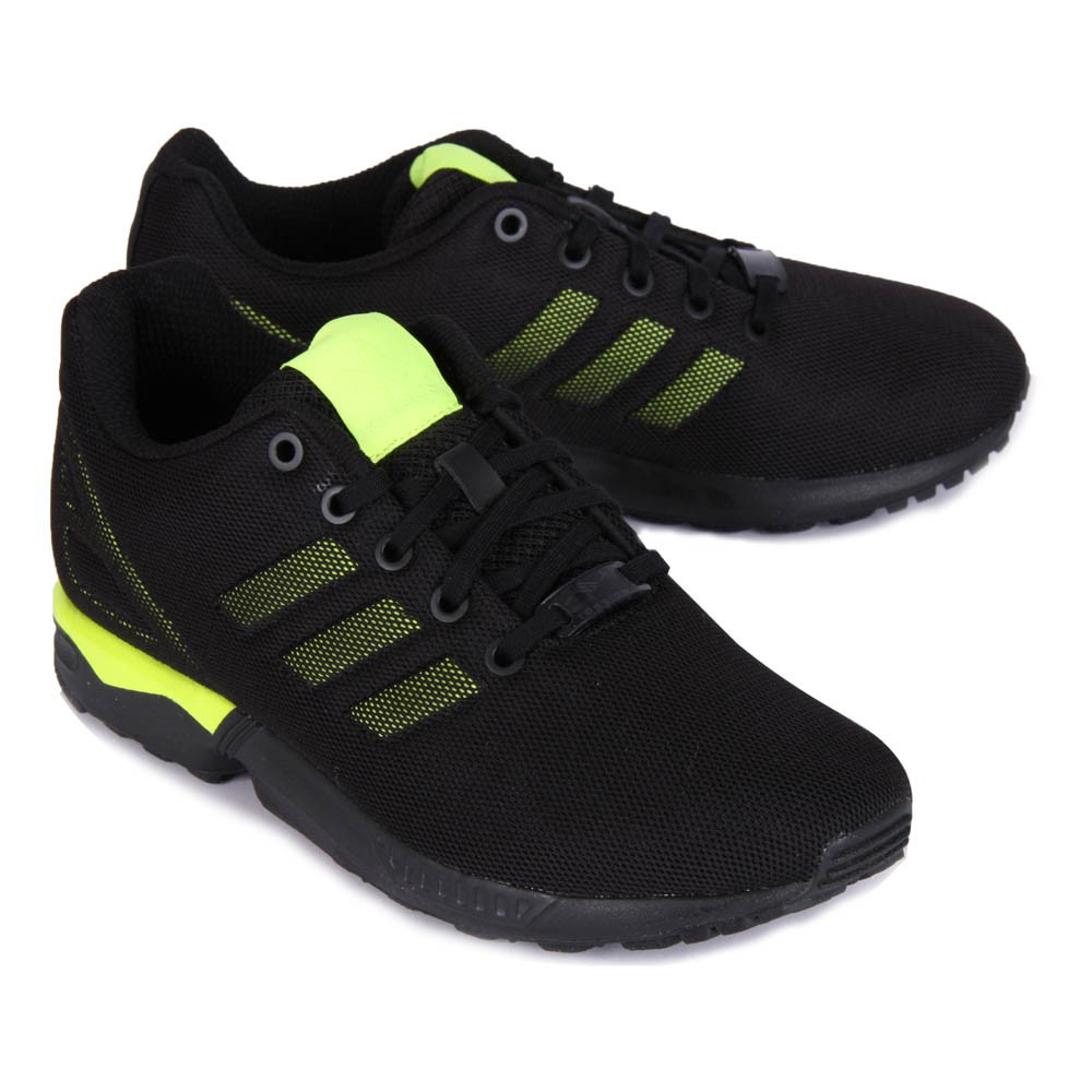 baskets zx flux bicolores noir jaune fluo adidas chaussures smallable. Black Bedroom Furniture Sets. Home Design Ideas