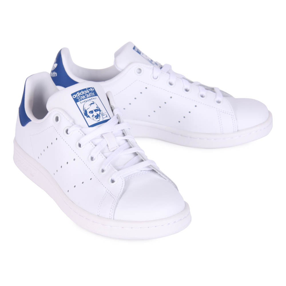 baskets cuir lacets stan smith bleu blanc adidas chaussures smallable. Black Bedroom Furniture Sets. Home Design Ideas