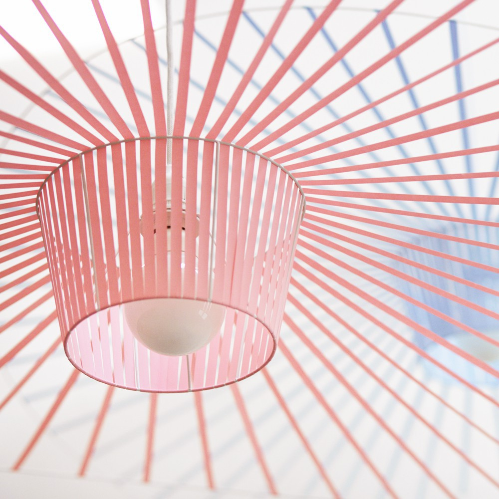 suspension vertigo rose petite friture d coration smallable. Black Bedroom Furniture Sets. Home Design Ideas