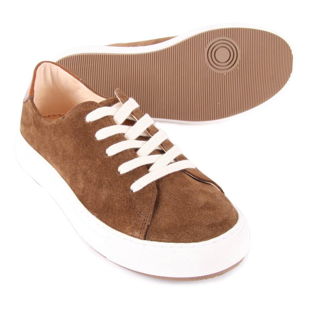 baskets daim past marron craie chaussures smallable. Black Bedroom Furniture Sets. Home Design Ideas
