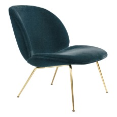 product-Gubi Fauteuil lounge Beetle rembourré base Conic, GamFratesi, 2013, Laiton/Velours