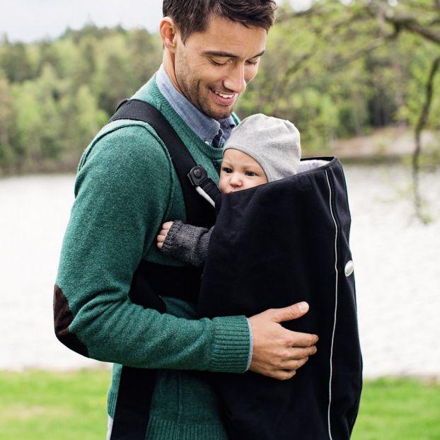 3d29254e3db Cape pour porte-bébé - Noir BabyBjörn Design Bébé