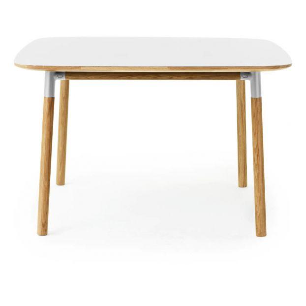 Tavolo Quadrato 120x120 Allungabile A Libro.Tavolo Form Quadrato 120x120 Cm Bianco Normann Copenhagen Design